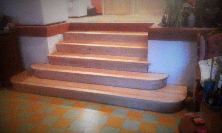 habillage d'un escalier béton avec création de contremarches arrondies